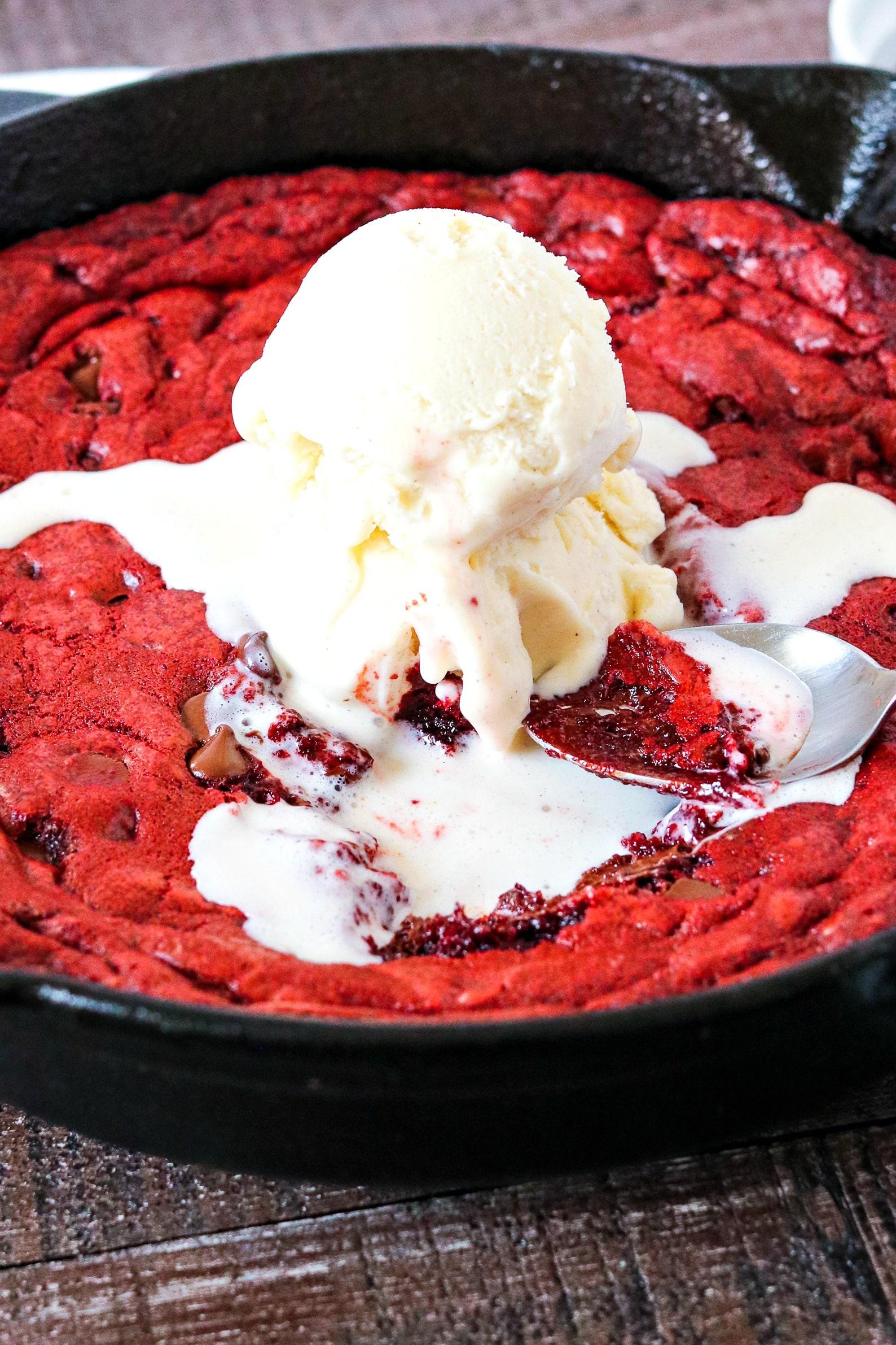 Red Velvet Ooey Gooey Cake